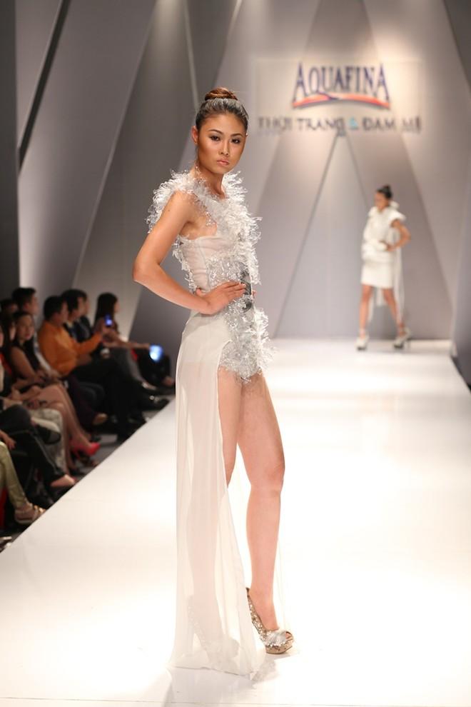 Hồng Quế, Andrea Aybar nổi bật giữa dàn người mẫu ảnh 4