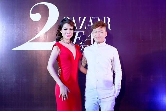 Trương Ngọc Ánh diện váy đỏ quyến rũ, dự tiệc cùng nhà thiết kế trẻ ảnh 2