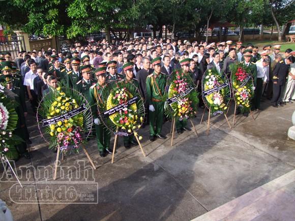 Những người cuối cùng được vào viếng Đại tướng Võ Nguyên Giáp ảnh 17