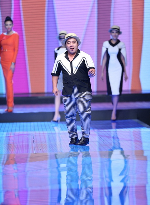 Độc đáo màn catwalk của Phạm Văn Mách, Hiếu Hiền ảnh 6