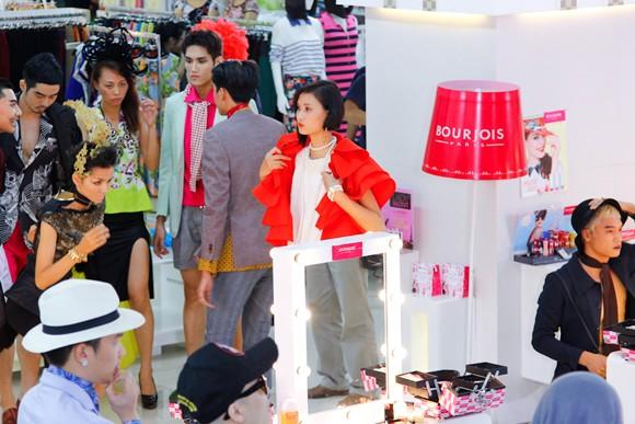 """Bị gọi là """"thảm họa thời trang"""", Kim Thoa chia tay Next top ảnh 1"""