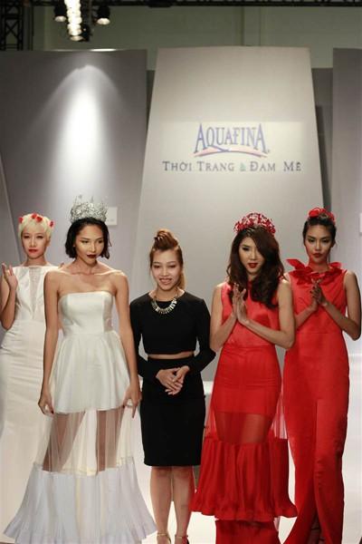 Ngọc Quyên, Minh Triệu gây ấn tượng với váy xuyên thấu ảnh 9