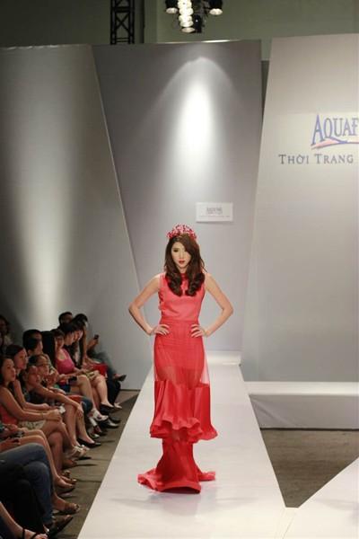 Ngọc Quyên, Minh Triệu gây ấn tượng với váy xuyên thấu ảnh 4