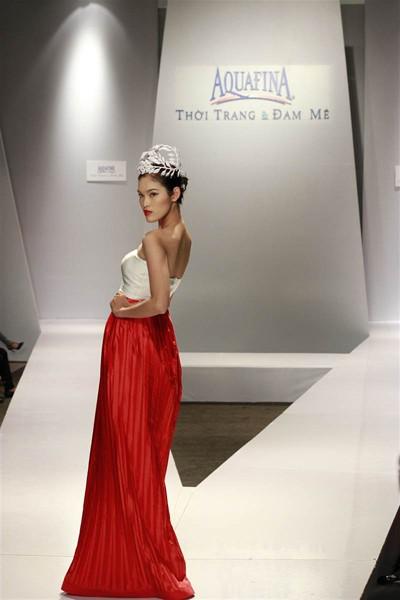 Ngọc Quyên, Minh Triệu gây ấn tượng với váy xuyên thấu ảnh 5