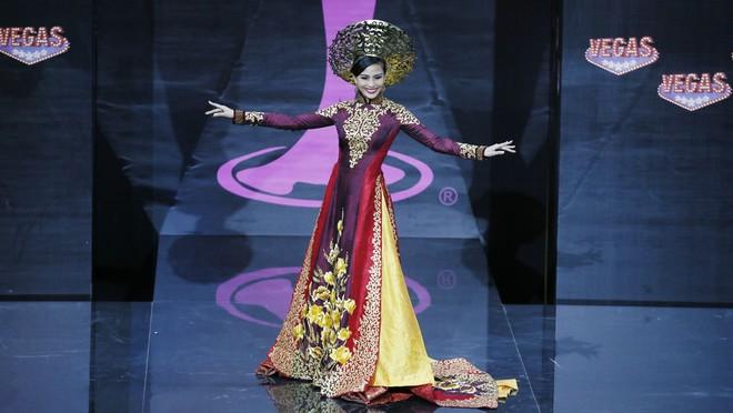 Việt Nam lọt Top10 trang phục dân tộc đẹp nhất Hoa hậu Hoàn Vũ 2013 ảnh 5