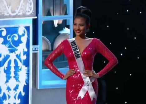 Trương Thị May tự tin diễn bikini tại bán kết Miss Universe 2013 ảnh 4