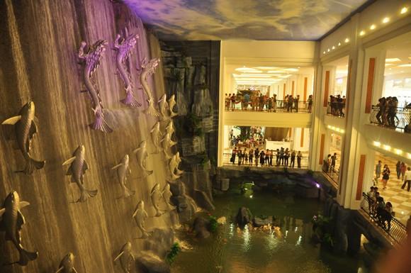 Ra mắt gói tour khám phá Vincom Mega Mall Royal City ảnh 2