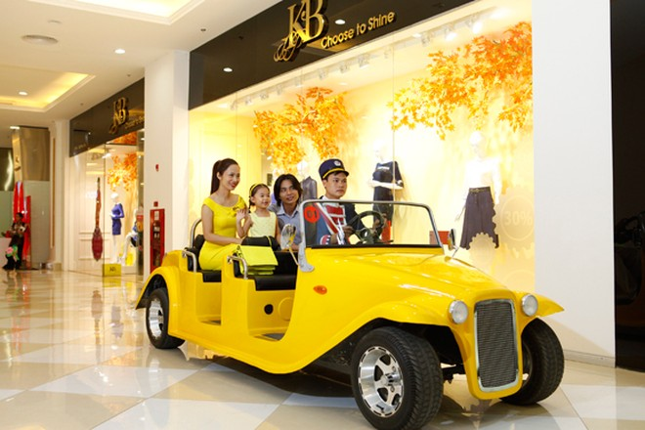 Ra mắt gói tour khám phá Vincom Mega Mall Royal City ảnh 1