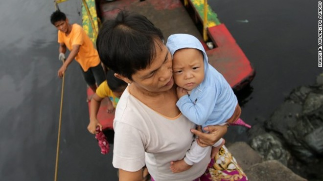 Rơi nước mắt trước thảm cảnh trẻ em Philippines sau siêu bão Haiyan ảnh 2