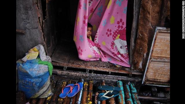 Rơi nước mắt trước thảm cảnh trẻ em Philippines sau siêu bão Haiyan ảnh 4