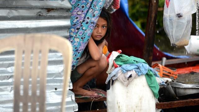 Rơi nước mắt trước thảm cảnh trẻ em Philippines sau siêu bão Haiyan ảnh 5