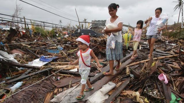 Rơi nước mắt trước thảm cảnh trẻ em Philippines sau siêu bão Haiyan ảnh 8