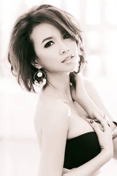 Diễm My, Yến Nhi đọ dáng với thời trang Unisex ảnh 3