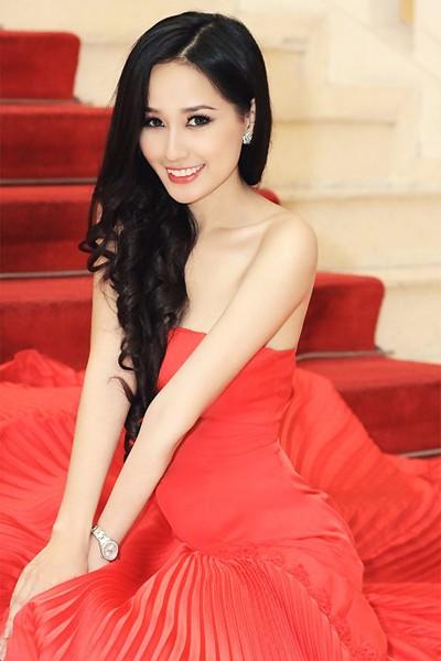 """Sau scandal """"vô tâm"""", Mai Phương Thúy khoe đường cong hấp dẫn ảnh 1"""