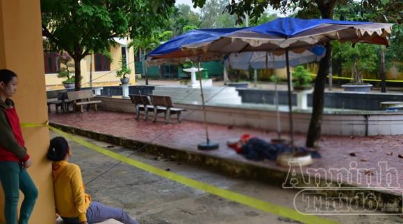 Hoảng hồn phát hiện người bảo vệ nằm chết trên sân trường ảnh 2
