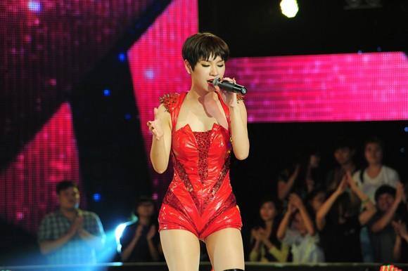 Yến Trang, Trà My Idol diện quần ngắn cũn, nhảy bốc lửa ảnh 7
