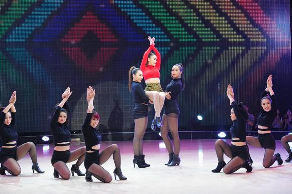 Yến Trang, Trà My Idol diện quần ngắn cũn, nhảy bốc lửa ảnh 15