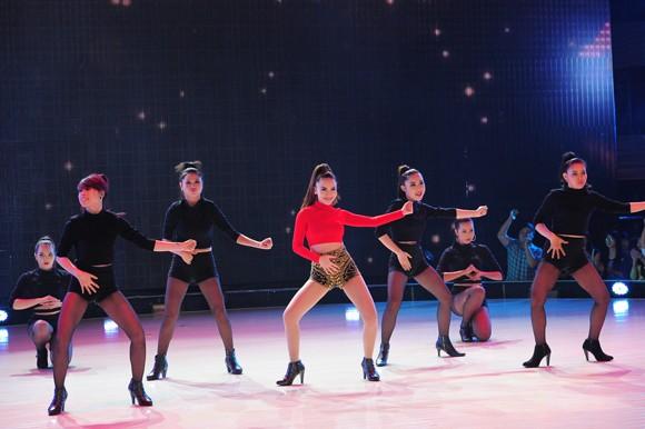 Yến Trang, Trà My Idol diện quần ngắn cũn, nhảy bốc lửa ảnh 13