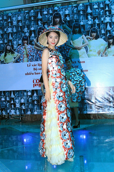 Trà My diện trang phục BCS, xác lập kỷ lục Guinness Việt Nam ảnh 6