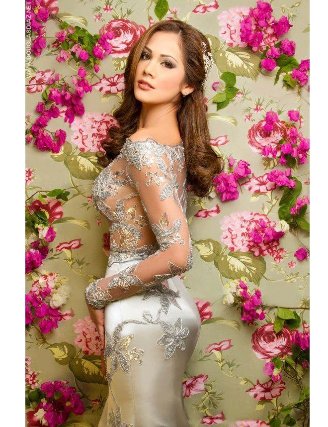 Chiêm ngưỡng vẻ đẹp nóng bỏng của tân Hoa hậu Trái đất 2013 ảnh 10
