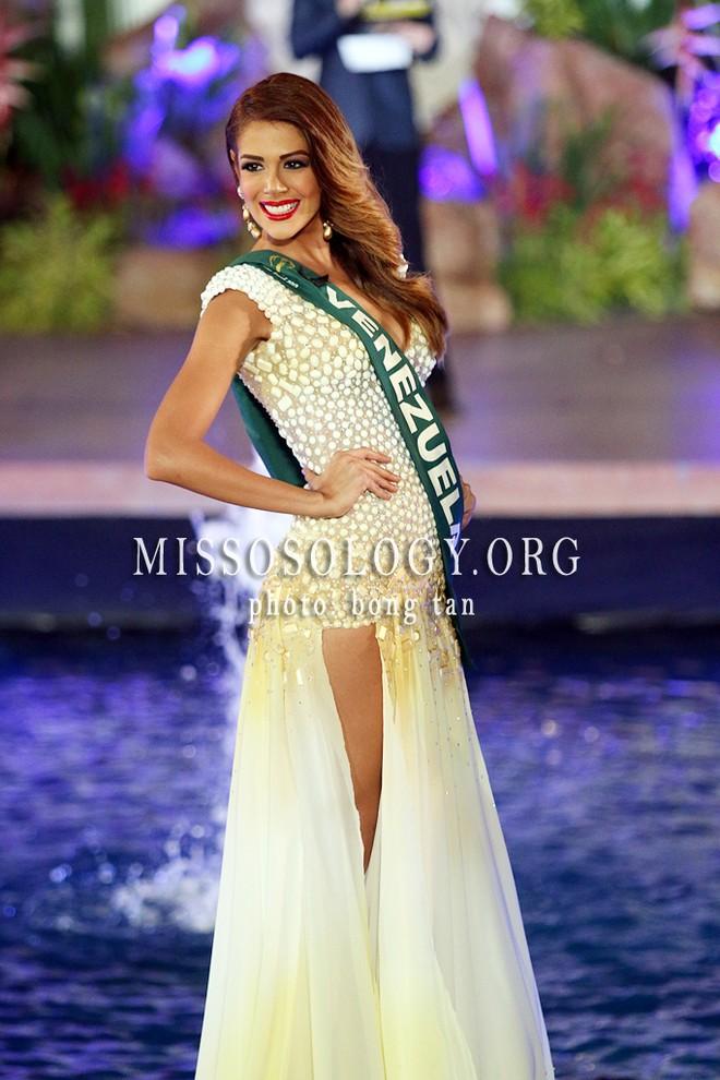 Chiêm ngưỡng vẻ đẹp nóng bỏng của tân Hoa hậu Trái đất 2013 ảnh 6