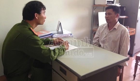 Bắt đối tượng vờ quen bác sỹ để lừa đảo người nhà bệnh nhân ảnh 1
