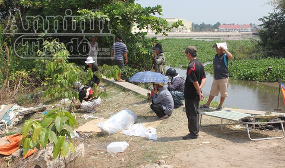 Sông Sài Gòn: Phát hiện xác đàn ông nổi lềnh bềnh, vai bị chém sâu ảnh 1