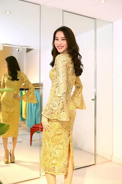 Đỗ Mạnh Cường ân cần sửa váy cho Hoa hậu Đặng Thu Thảo ảnh 7