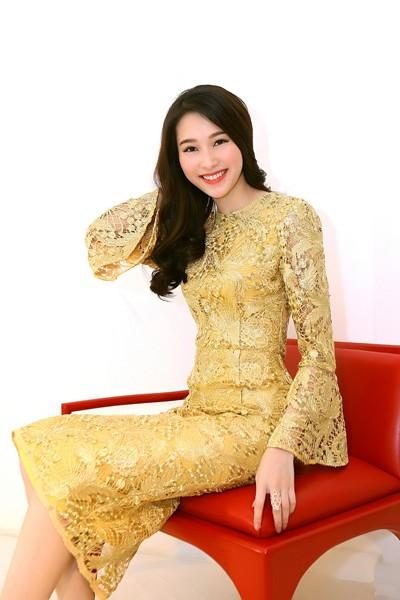Đỗ Mạnh Cường ân cần sửa váy cho Hoa hậu Đặng Thu Thảo ảnh 6