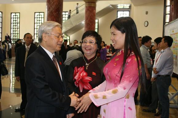 Chủ tịch QH Nguyễn Sinh Hùng: Tình hình biển Đông diễn biến hết sức phức tạp, khó lường ảnh 4