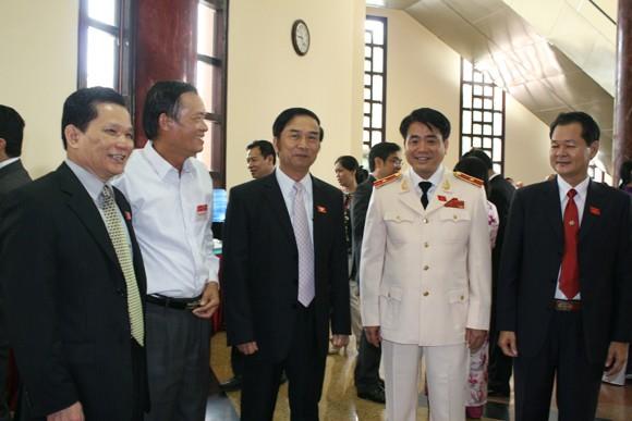 Chủ tịch QH Nguyễn Sinh Hùng: Tình hình biển Đông diễn biến hết sức phức tạp, khó lường ảnh 6