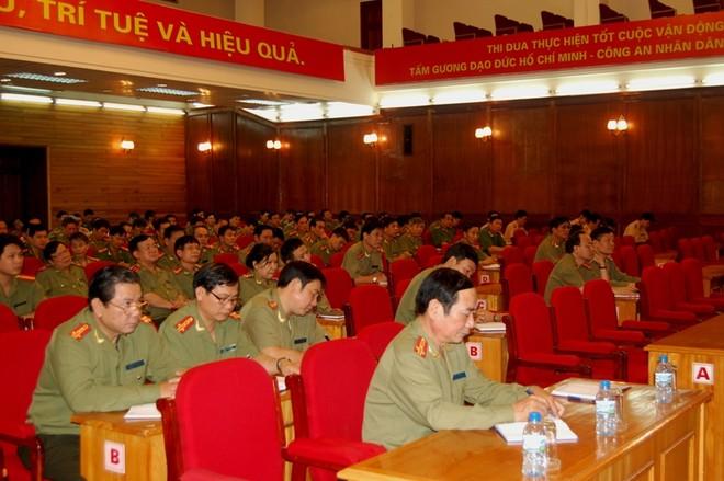 Lực lượng CAND học tập Bác Hồ phong cách quần chúng và dân chủ ảnh 2