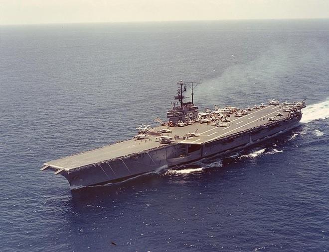 Mỹ bán siêu tàu sân bay từng tham chiến ở Việt Nam, với giá 1 xu ảnh 1