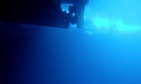 Iran hạ thủy tàu ngầm du lịch đầu tiên ảnh 1