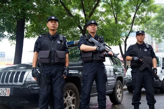 Bắc Kinh huấn luyện chống khủng bố cho lái xe buýt ảnh 1