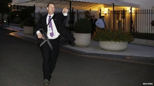 Phát hiện kẻ đột nhập, Nhà Trắng sơ tán khẩn cấp ảnh 1
