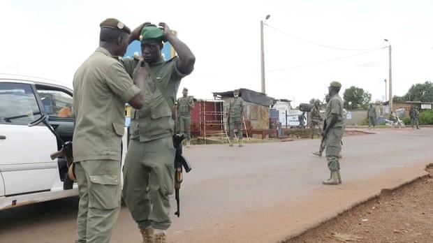 Tổng thống Mali nêu lý do từ chức sau cuộc binh biến ảnh 1