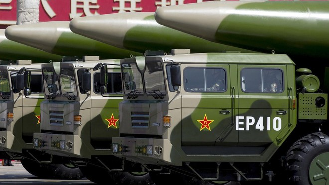 """Trung Quốc bắn """"tên lửa diệt tàu sân bay"""" ra Biển Đông ảnh 1"""