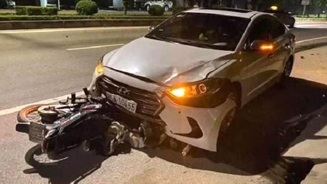 [Tin nhanh sáng 24-11-2020] Đội trưởng thanh tra lái ô tô ngược chiều, tông chết nữ lao công ảnh 2
