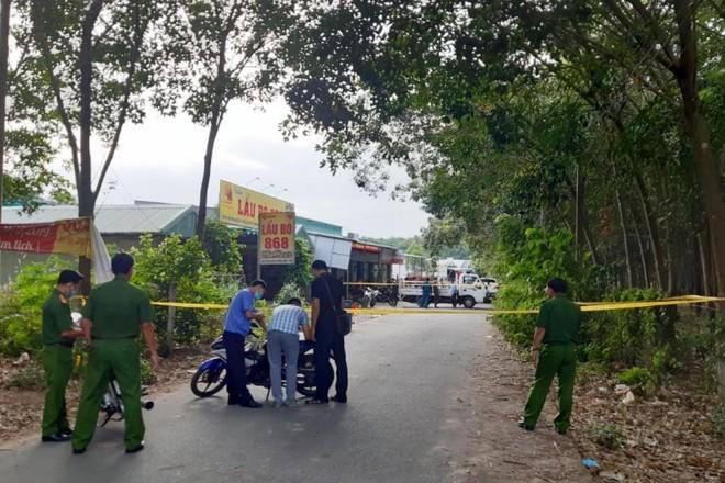 [Tin nhanh tối 31-12-2020] Án mạng tại quán nhậu, 3 người chết, 2 người bị thương ảnh 2