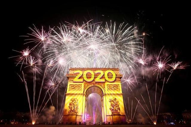 Thế giới đón Năm mới 2021 khác lạ thời đại dịch Covid-19 ảnh 1