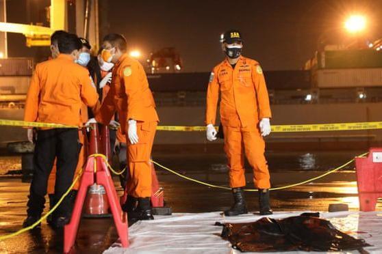 Vụ máy bay SJ182 rơi xuống biển: Toàn bộ hành khách là công dân Indonesia ảnh 1