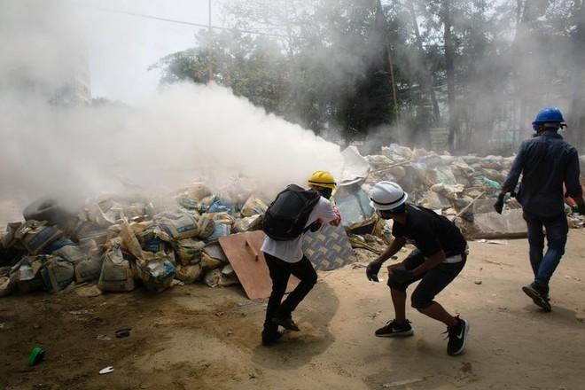 Nhà máy Trung Quốc ở Myanmar bị đốt phá ảnh 1