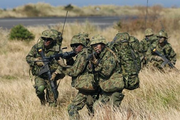 Lực lượng Phòng vệ trên bộ Nhật Bản tập trận lớn nhất trong 30 năm ảnh 1