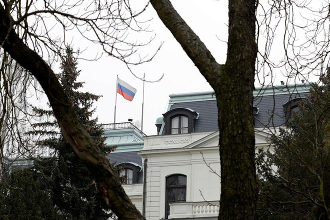 Lý do Czech bất ngờ tuyên bố trục xuất 18 nhà ngoại giao Nga ảnh 1