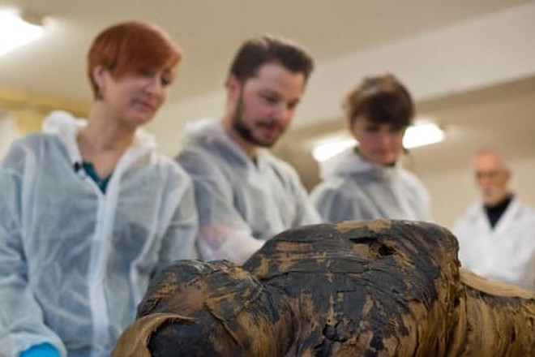 Ba Lan phát hiện xác ướp Ai Cập có thai ảnh 1