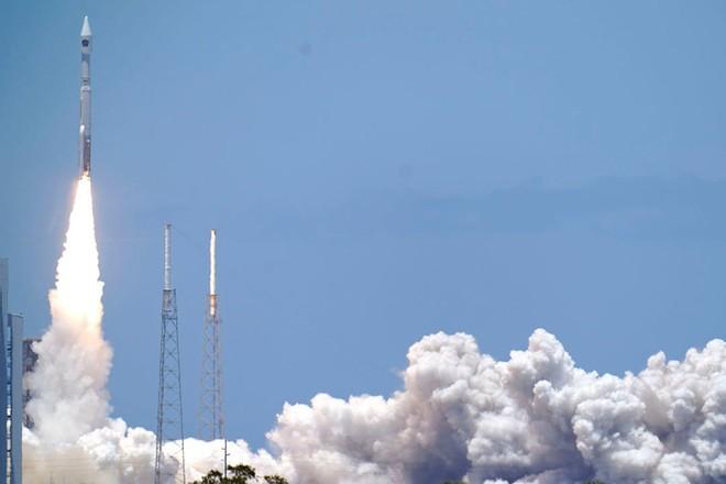 Mỹ phóng vệ tinh trị giá tỷ USD lên quỹ đạo ảnh 1