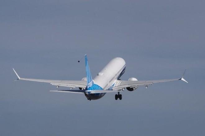 Máy bay Boeing 737 MAX 10 lần đầu cất cánh ảnh 1