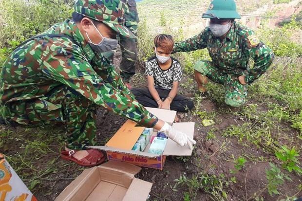 [Tin nhanh tối 27-6-2021] Bắt giữ đối tượng 16 tuổi vận chuyển 5kg ma túy về Việt Nam ảnh 2