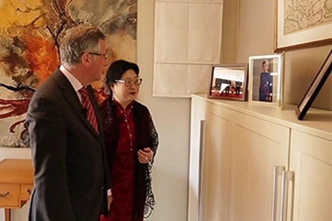 Vợ Đại sứ Bỉ tại Hàn Quốc lại bị tố tát nhân viên vệ sinh ảnh 1